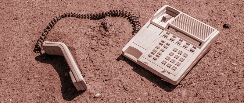 telephone in sand redish